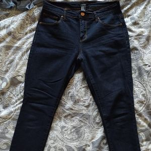 2 pairs NWOT forever21 midrise jeans, 27
